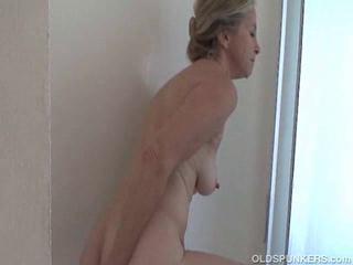 Saggy granny dreams shower - 32 New Porn Photos.